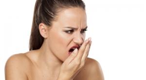 Alitosis fernandez y casquero clinica dental