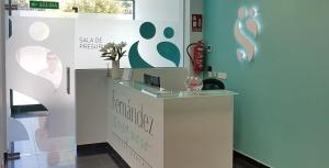 recepcion clinica dental fernandez y casquero